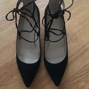 Marc Fisher Lace Up Pointed Low Wedge 9